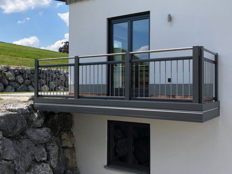 Balkone mit Edelstahl